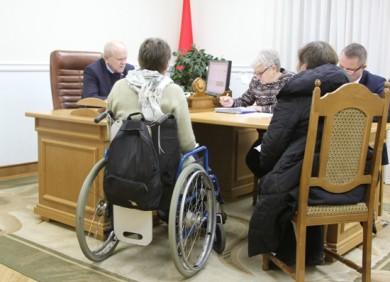 Даны поручения о создании комиссий для выработки решений в соответствии с законодательством