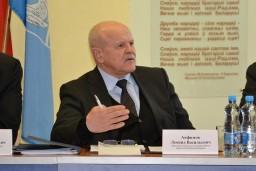 В ходе рабочей поездки в Миорский район Леонид Анфимов провел прием граждан и принял участие в заседании райисполкома