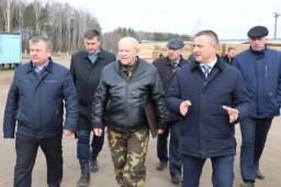 Леонид Анфимов изучил ход посевной кампании в сельскохозяйственных организациях Поставского, Глубокского и Докшицкого районов