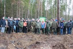 Во время республиканского субботника работники Комитета госконтроля осуществили посадку леса на поврежденных от урагана территориях