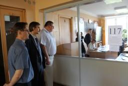 Председатель Комитета госконтроля Могилевской области Олег Садовский в рамках контроля за ходом вступительной кампании посетил Бобруйский государственный автотранспортный колледж